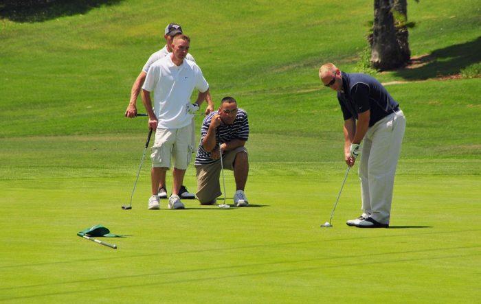 jouer au golf en famille