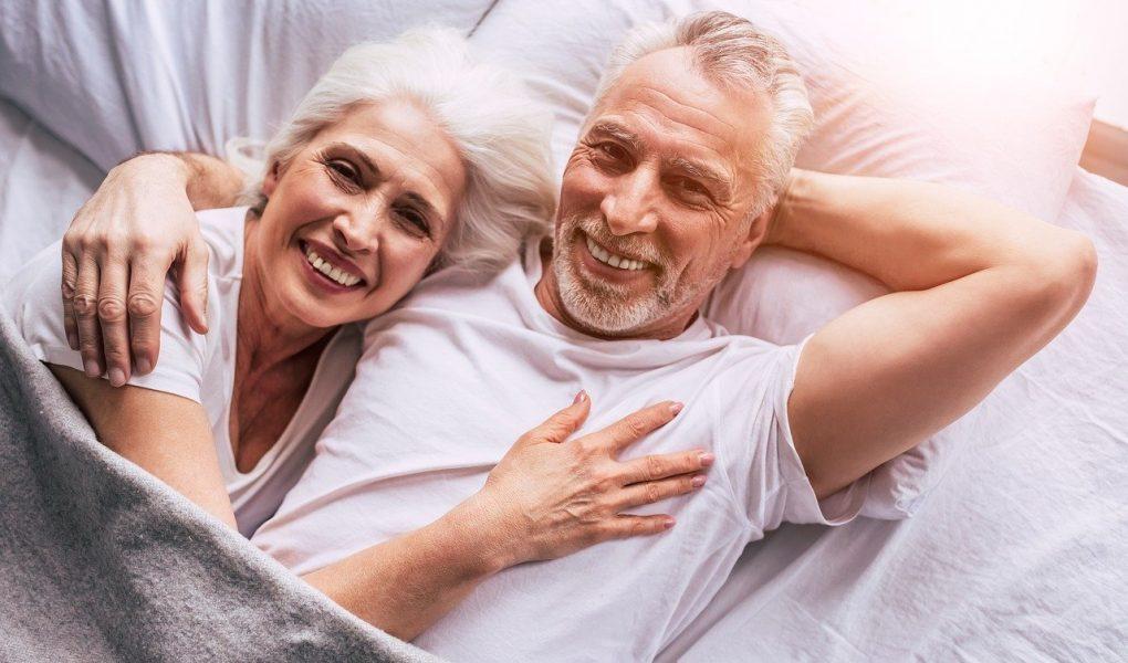 personnes âgées mais pas vieilles
